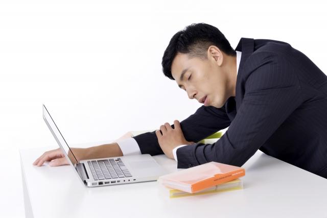 社内ニートで居眠り